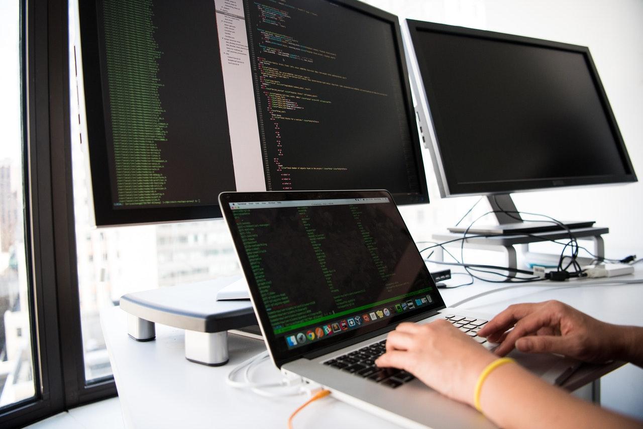 Comment devenir développeur web?