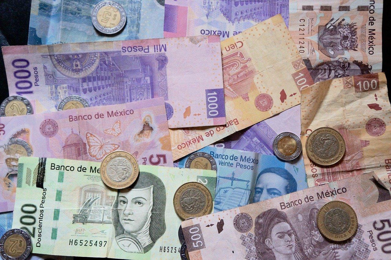 Billets de banque et pièces de monnaie mexicains